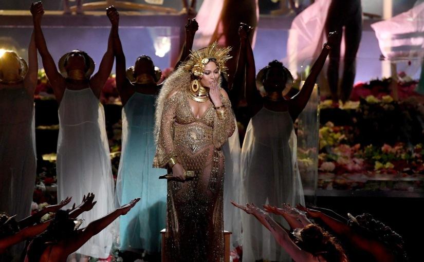 Beyonce จัดโชว์สุดอลังการภายในงาน Grammy Award 2017 ทำเอาทึ่งกันทั้งงาน